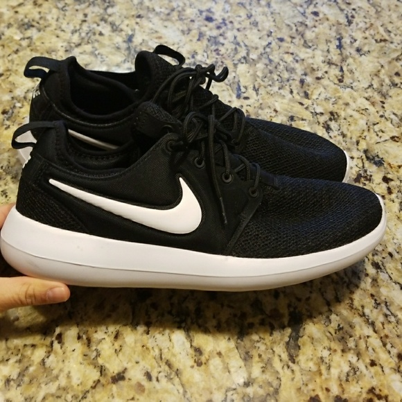 the latest e2529 fcb11 WOMENS NIKE ROSHE TWO CASUAL #844931-007